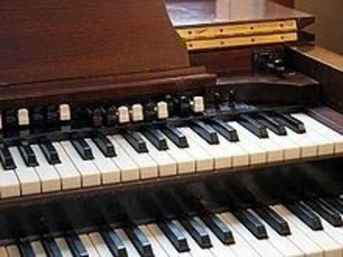 photo of choral register of Hammond B3