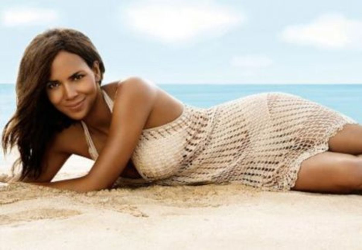 Halle Berry in mini crochet dress