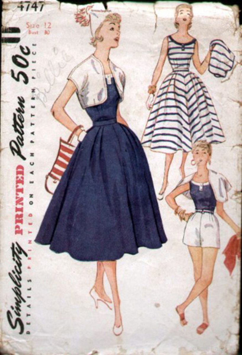 1940s Fashion: The  Playsuit,  Fun and Fashionable