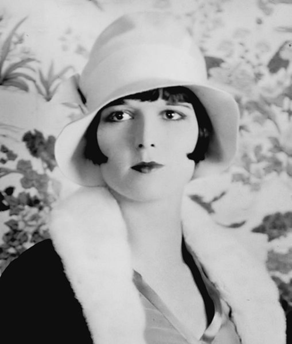 Louise Brooks circa 1926, wearing the bob hair style