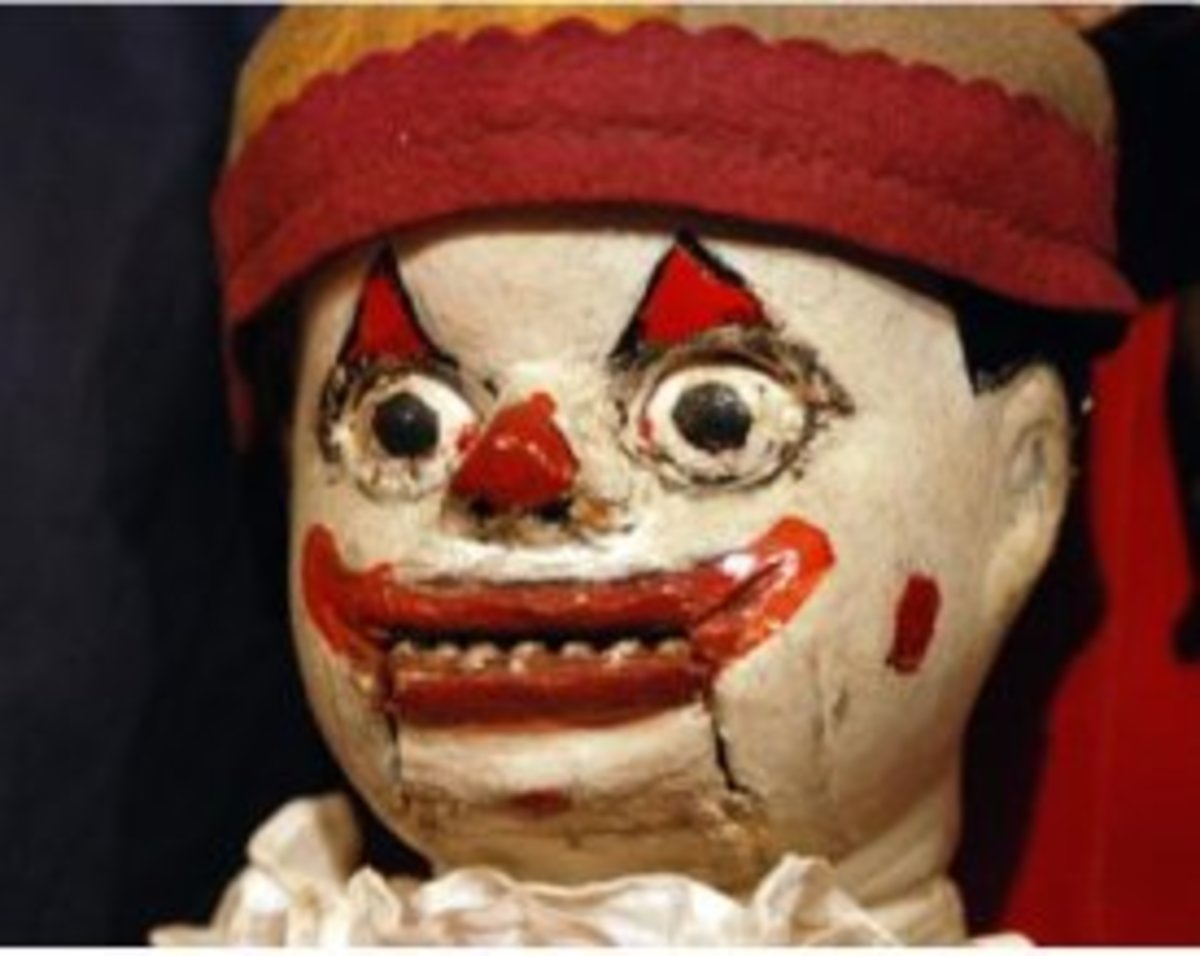 The worst possible spooky combination -scary clown AND dummy combined