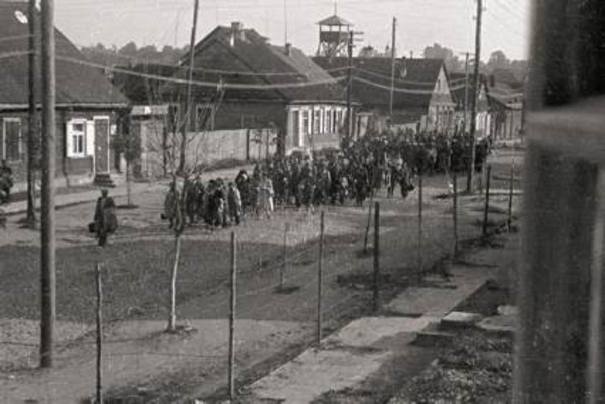 Above-Lithuanian Jews in Kaunas being put to work in 1941