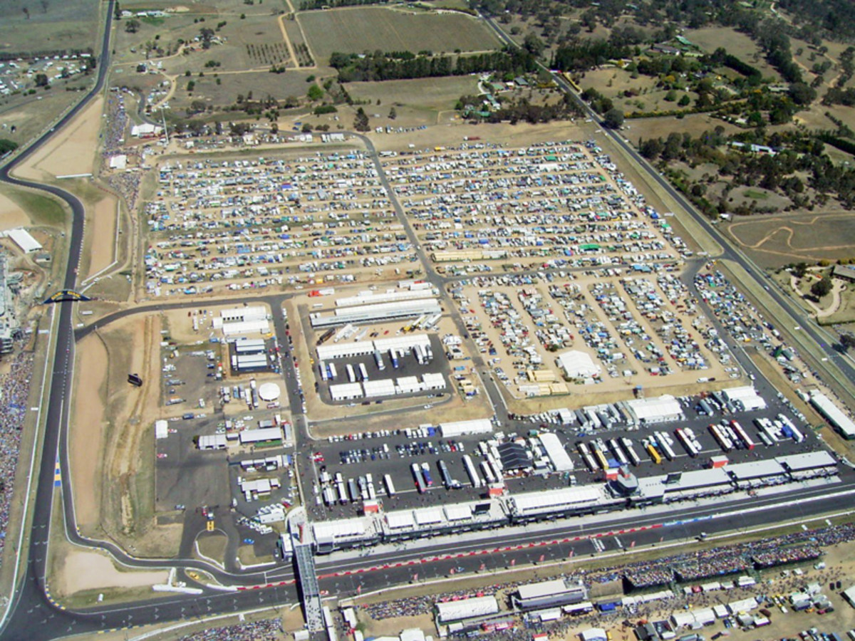 Pit area and last corner of Bathurst 1000 at Mount Panorama