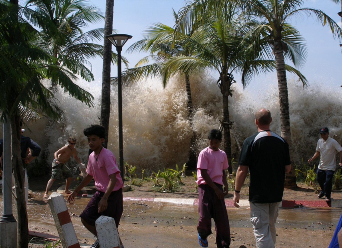 A picture of the 2004 tsunami in Ao Nang, Krabi Province, w:Thailand.