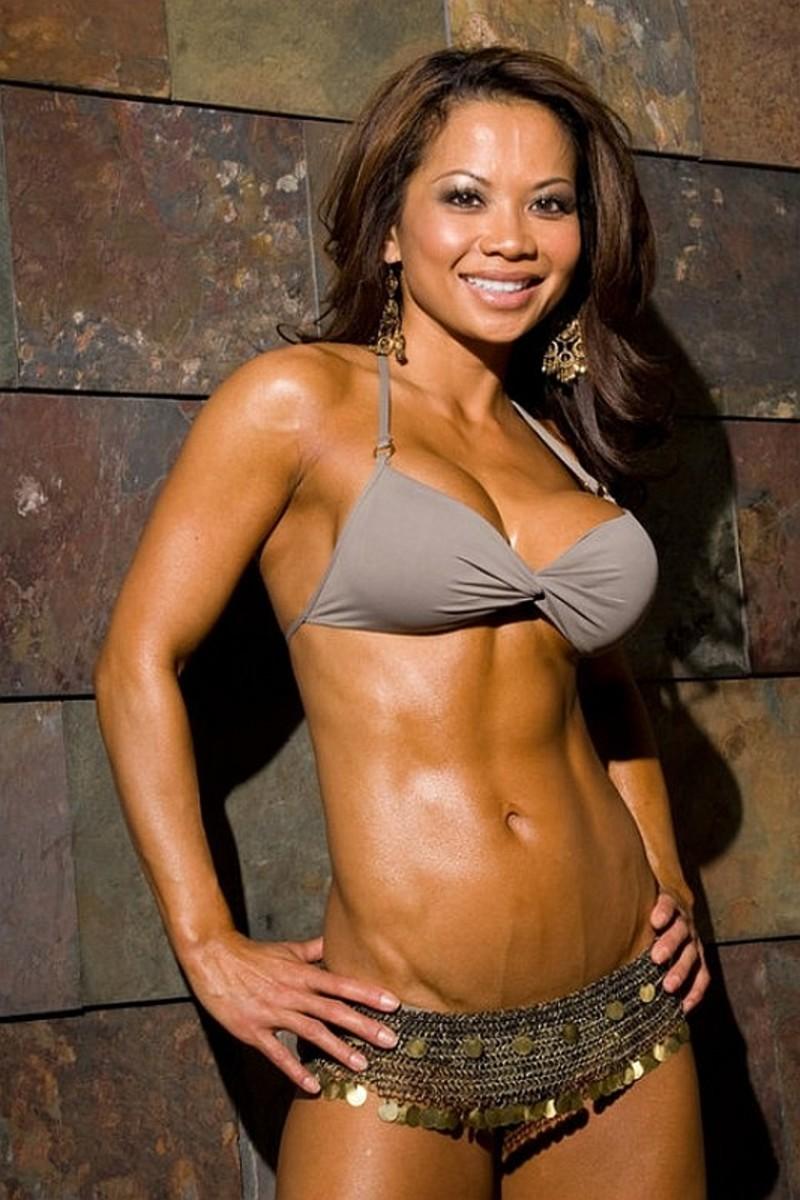 Noy Alexander - Bikini Competitor