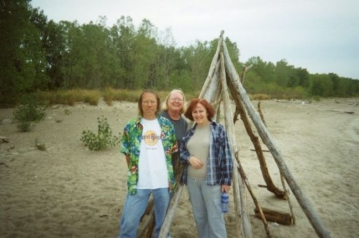 Gary (my husband - dressed like a California Tourist), Patty and I at Lake Erie. We don't live where lakes are this big. We can always see across our lakes so this was interesting.