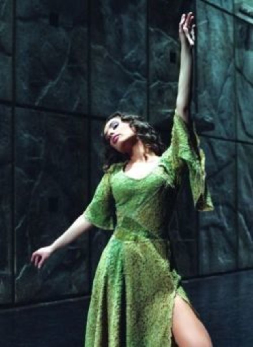 Chiara Di Bari as Esmeralda