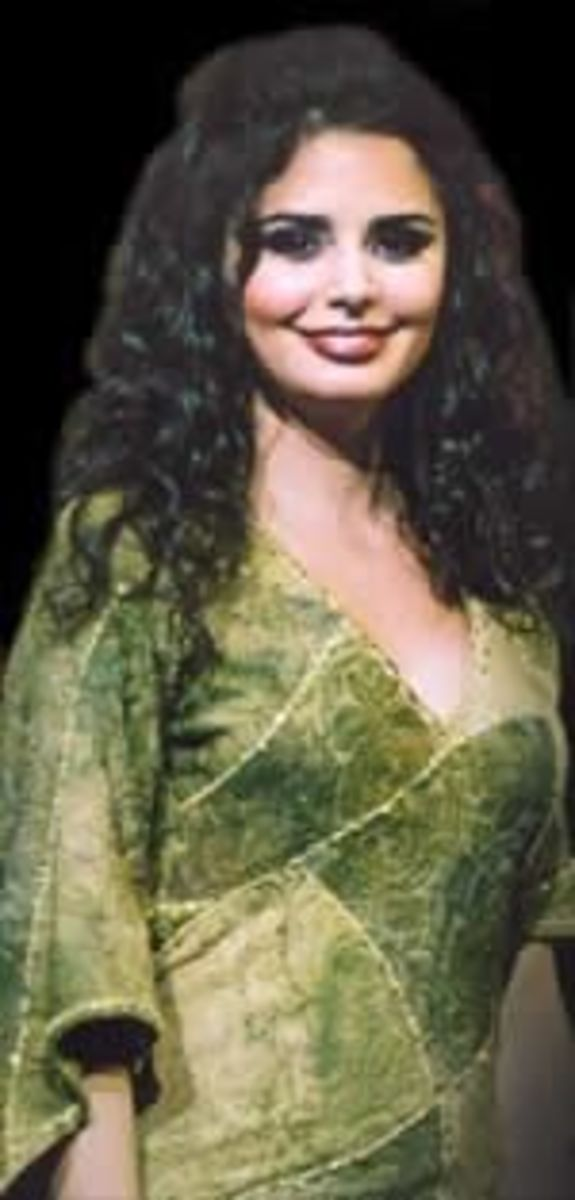 Shirel as Esmeralda