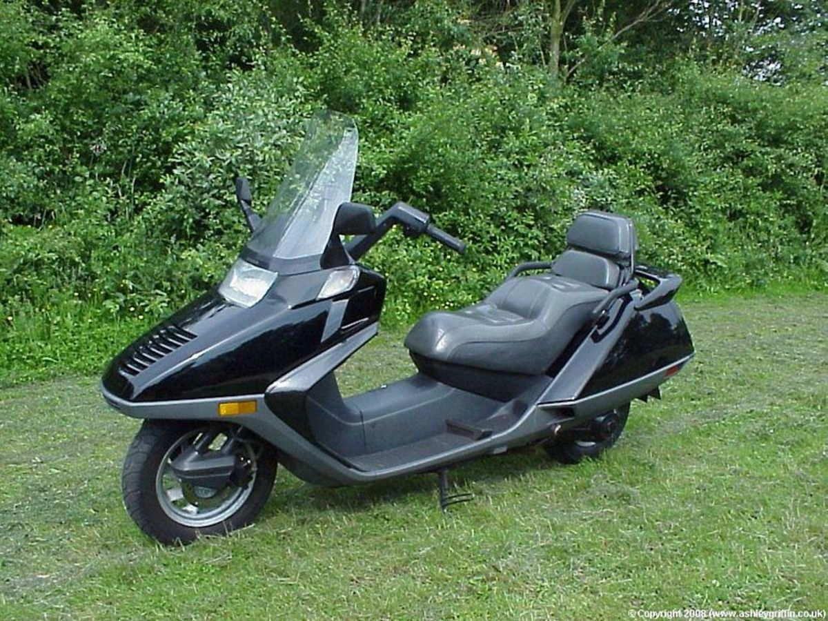 honda-helix-the-ugly-duckling-of-scoots