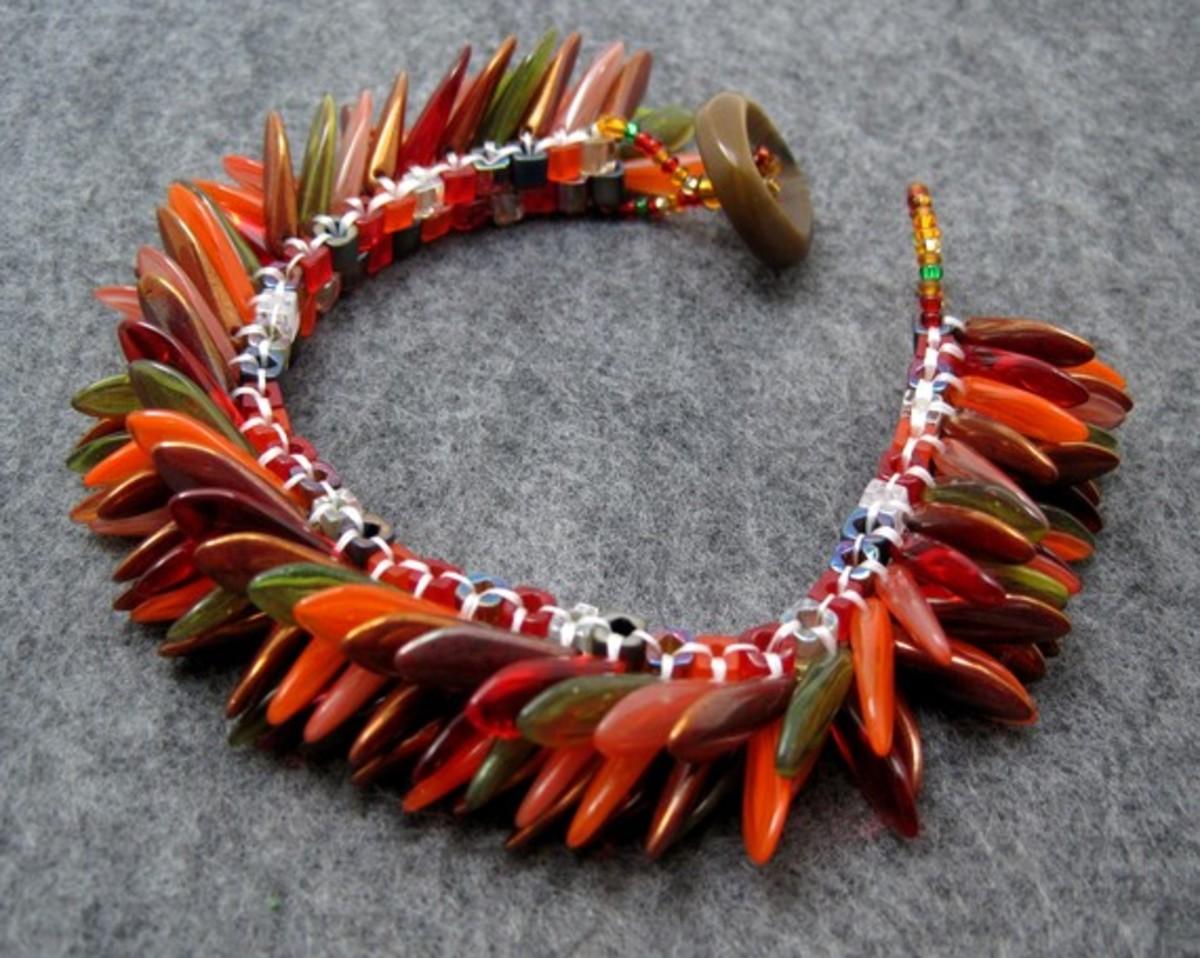 czech-glass-dagger-beads-patterns-and-stunning-jewelry-inspiration