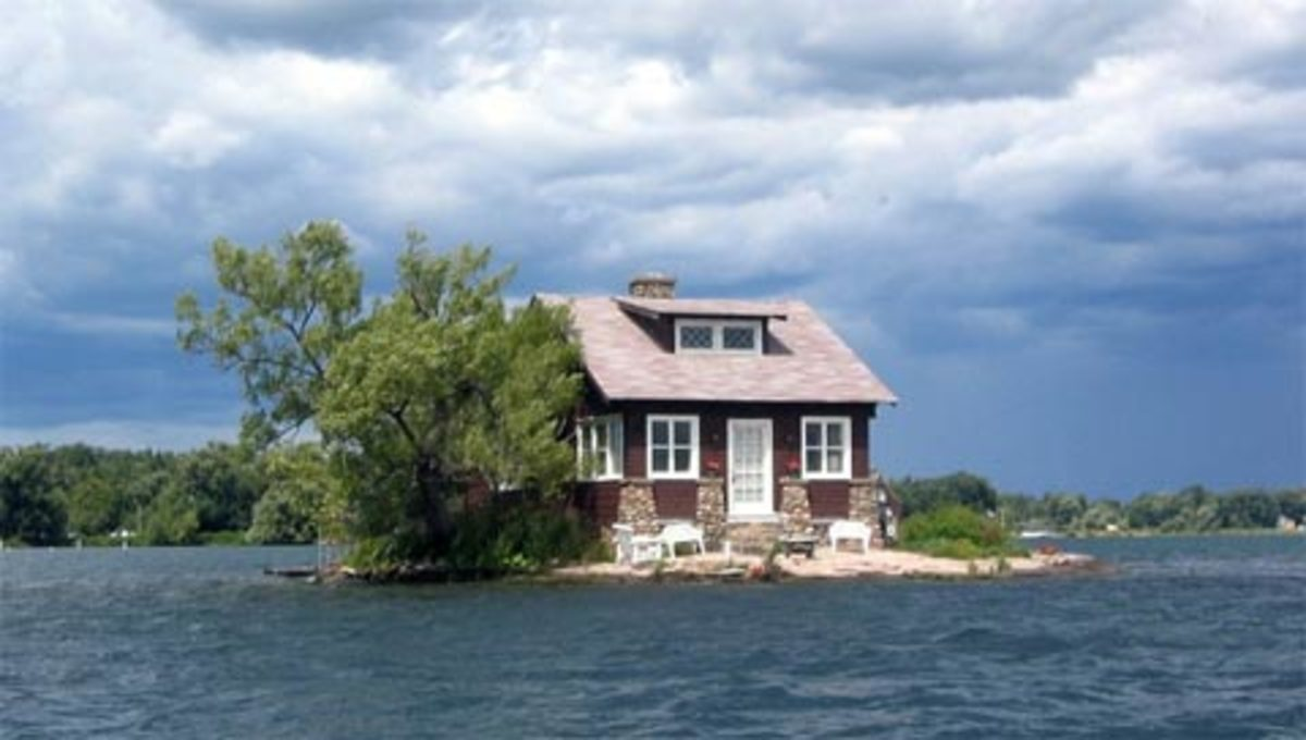 The world's 10 tiniest houses on tiny islands