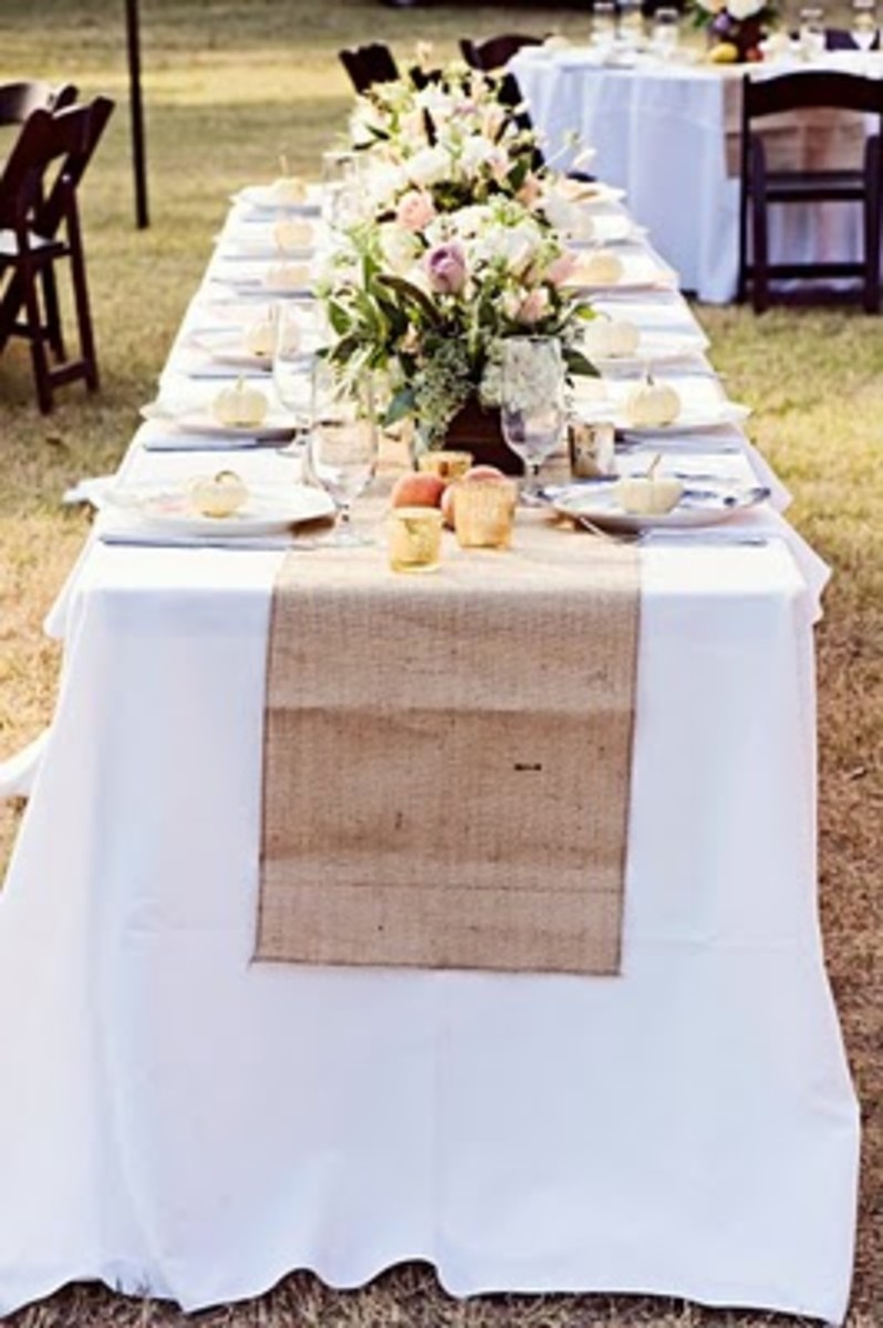 burlap-and-bling-how-to-use-burlap-in-your-wedding-decor-and-still-make-it-beautiful