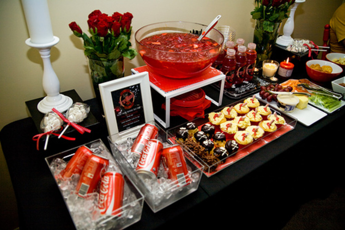 Amazing True Blood buffet lay-out ideas.