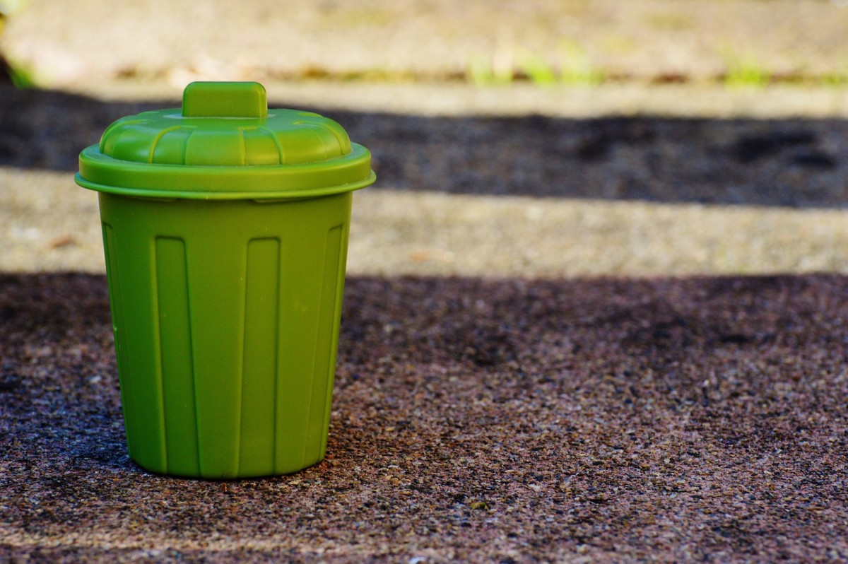 how-to-make-your-own-dog-poop-composter