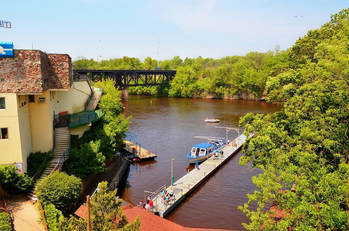 Wisconsin Dells ~ See Photos of this Scenic Wisconsin Attraction