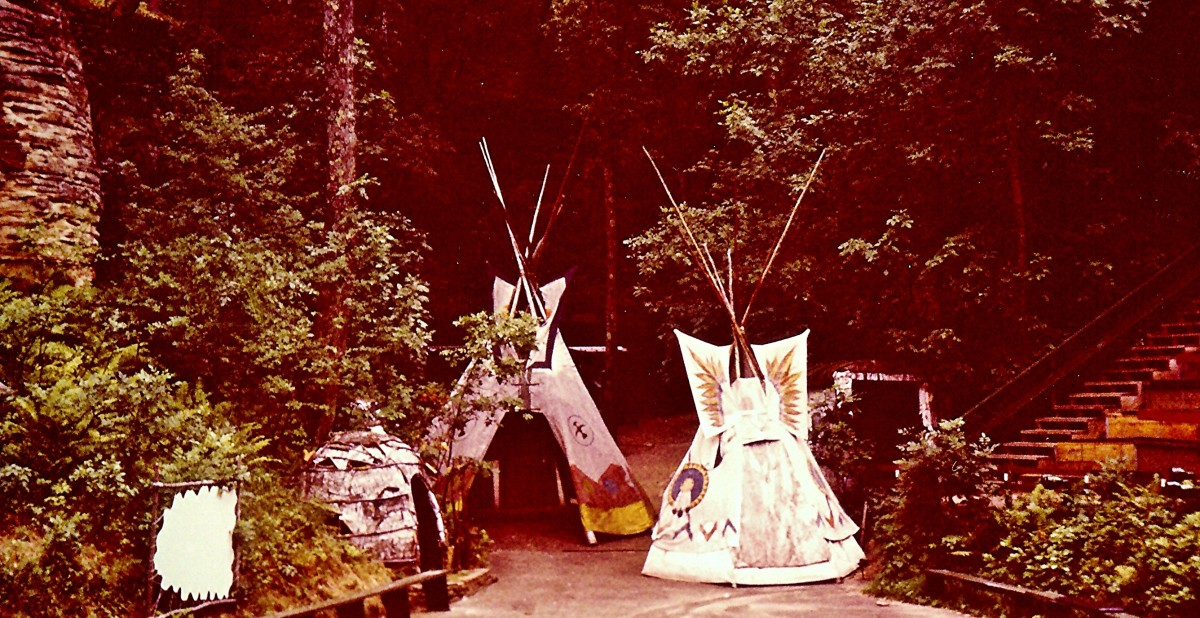 Indian tents at the Wisconsin Dells