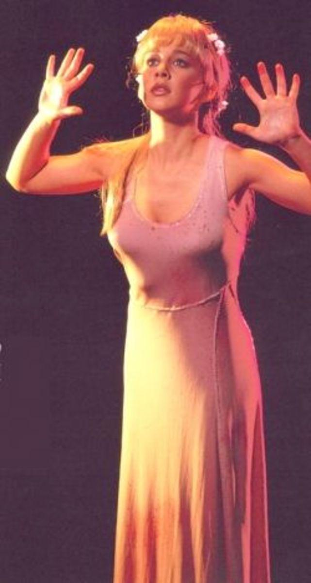 Jessica Grove as Fleur de Lys