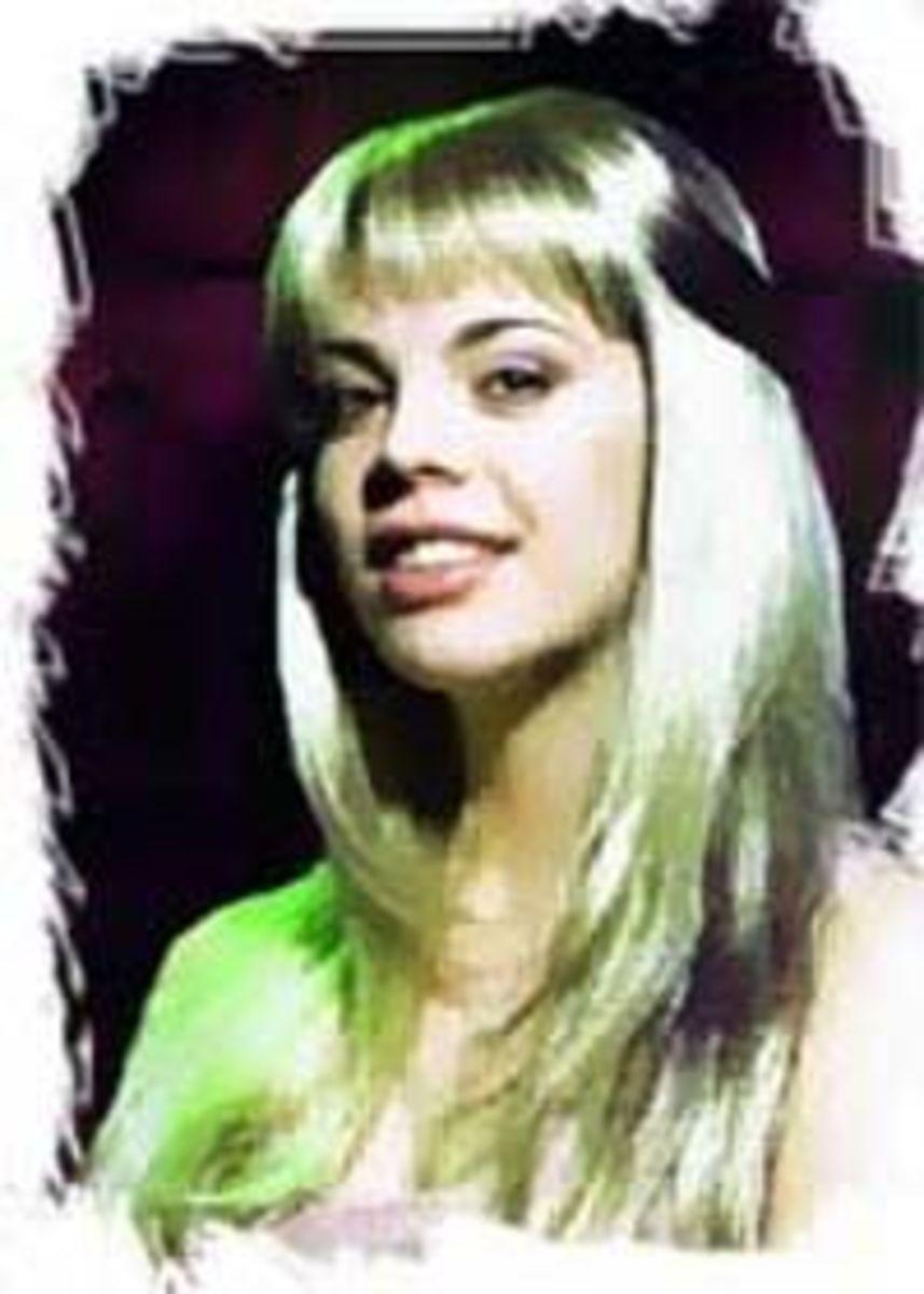 Anastasia Stotska as Fleur de Lys
