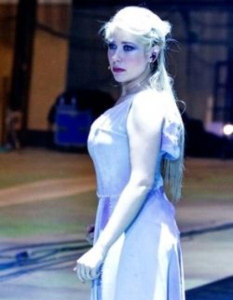 Serena Rizzetto as Fleur de Lys