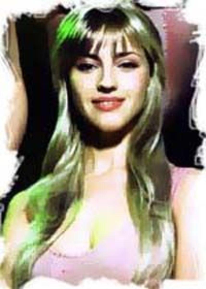 Julie Liseva as Fleur de Lys