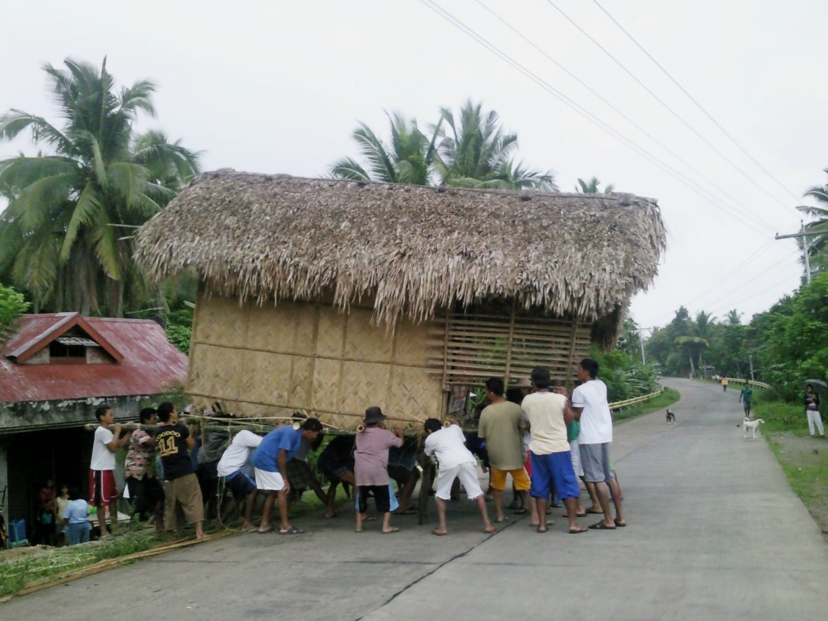 Bayanihan in the Philippines (Photo by Cy Rosero)