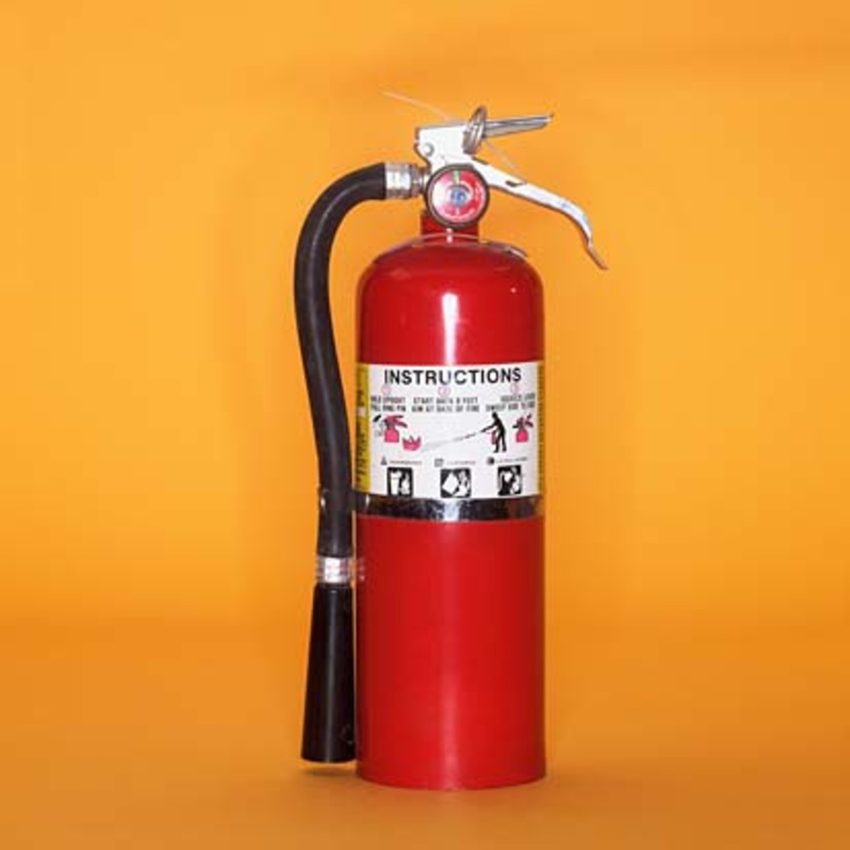 Keep fire extinguisher on hand to avoid and stop fire-related accidents due to leaking gas cylinders.