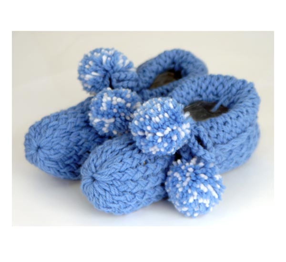 Knifty Knitter Slippers Pattern for the Red, Round Loom