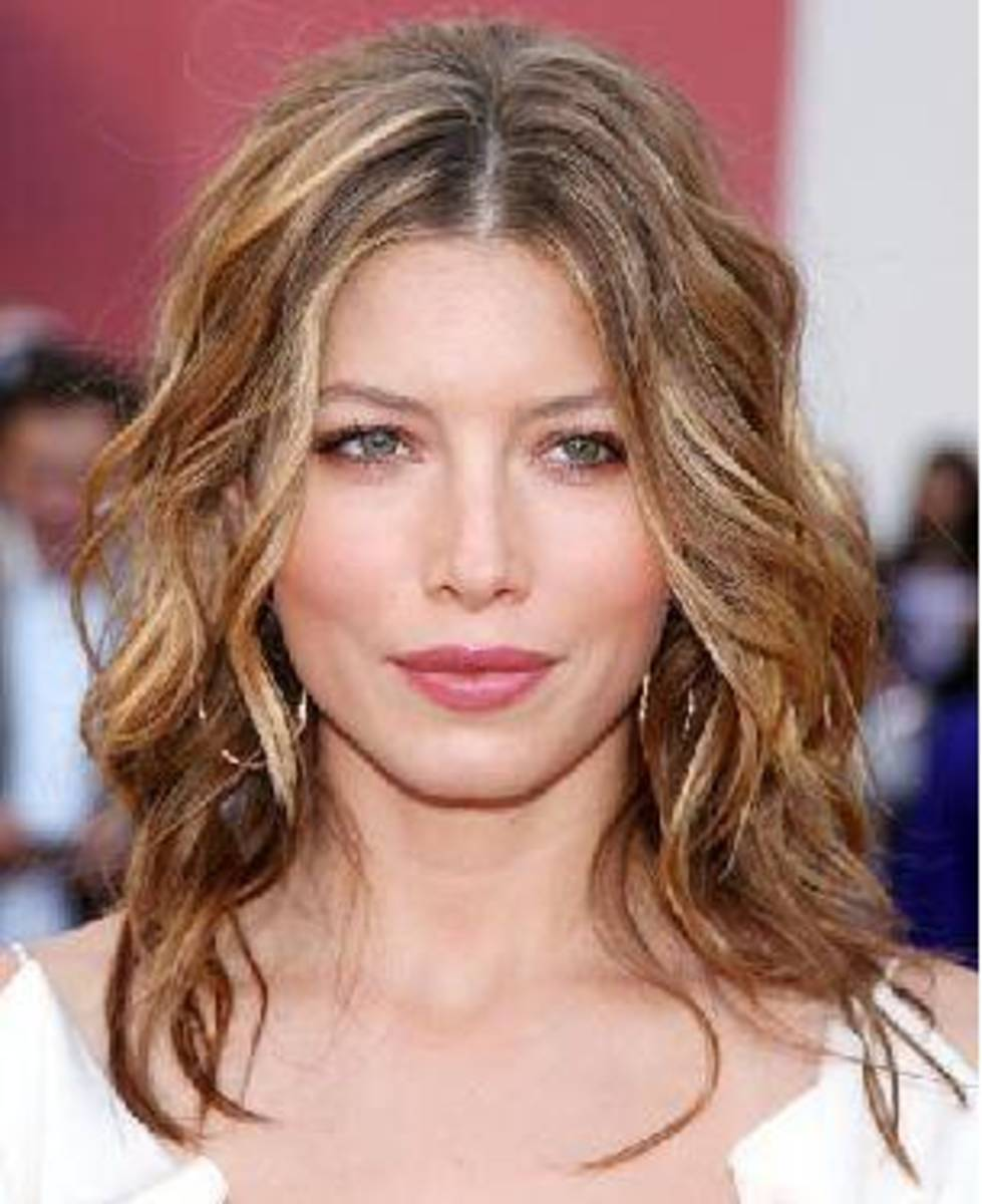 This hairstyle is extremely flattering for those with a square face shape.