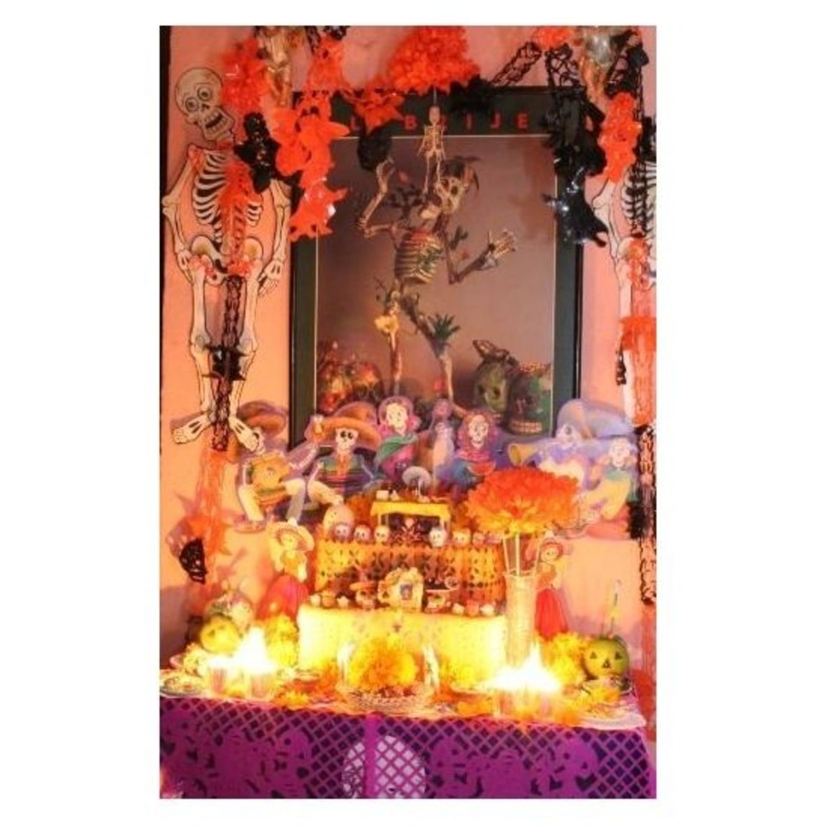 Day of the Dead shrine photo, public domain by ardelfin, morguefile.com
