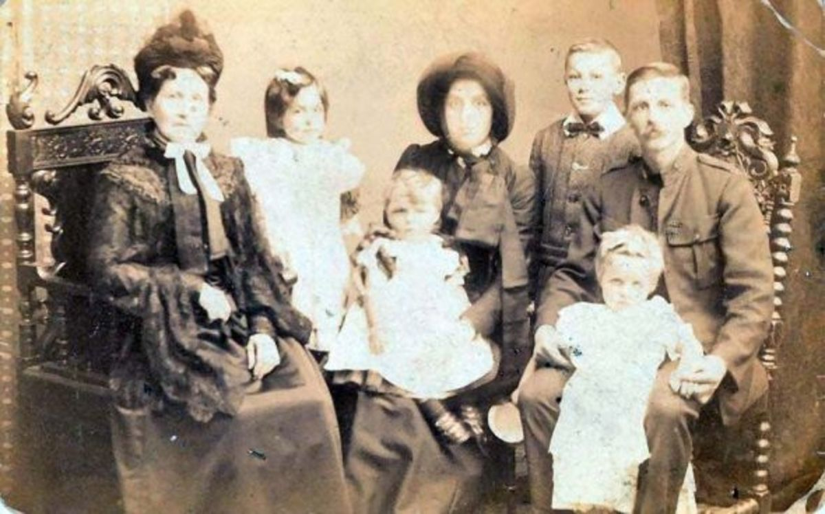 Late Victorian Family