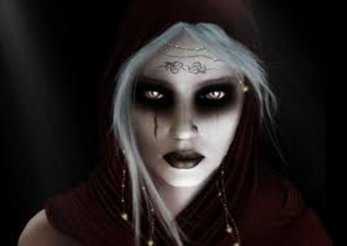Many people are drawn to the dark mysterious aura of Scorpios.