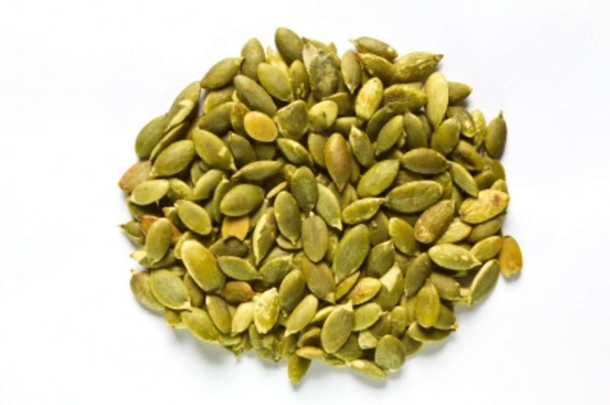 10-unusul-healthy-seeds-and-nuts-for-salads