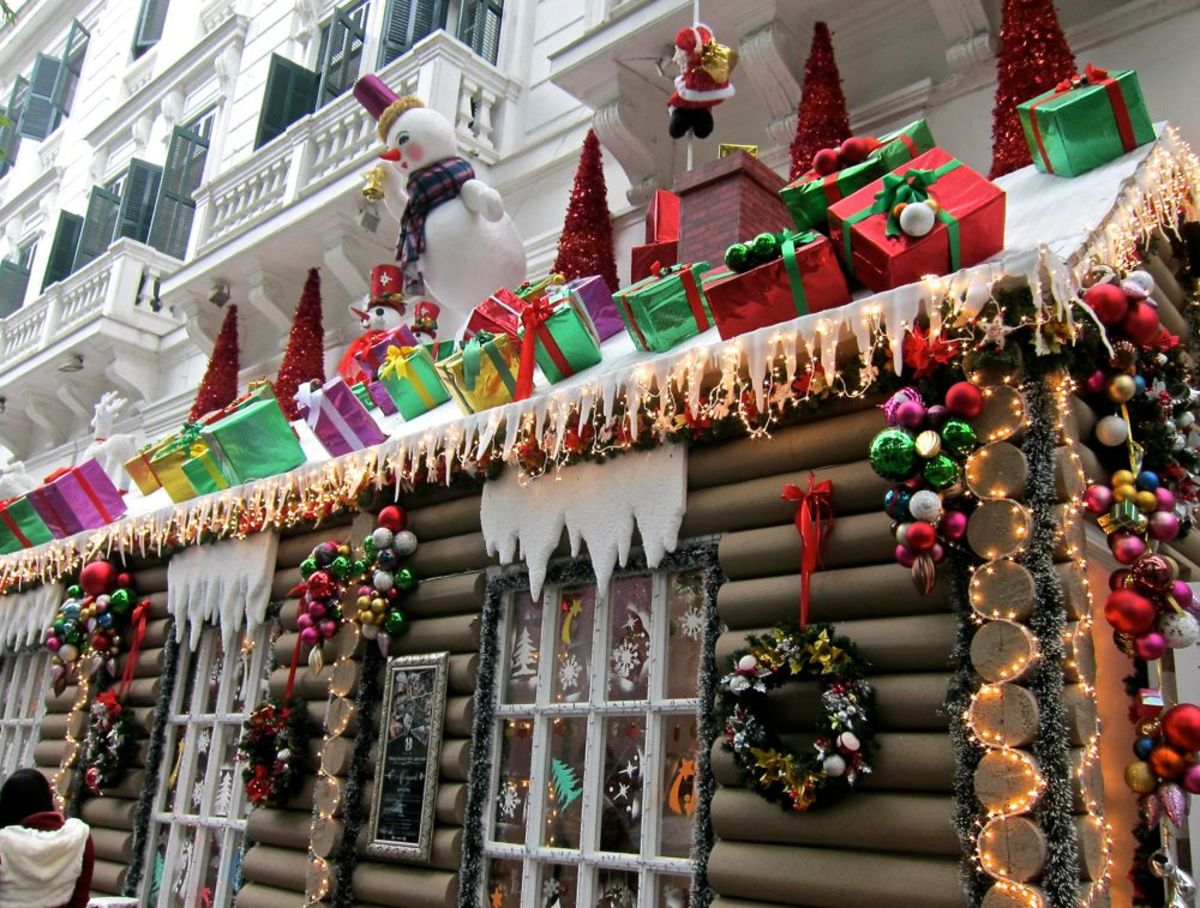 Christmas Display at the Metropole in Hanoi