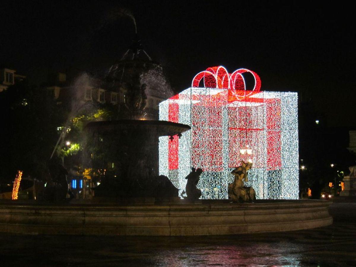 Seville Christmas Street Decor