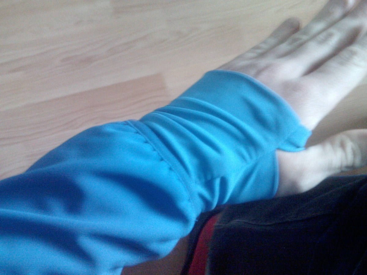 The extended cuff of the Quechua Bionnassay Softshell Jacket