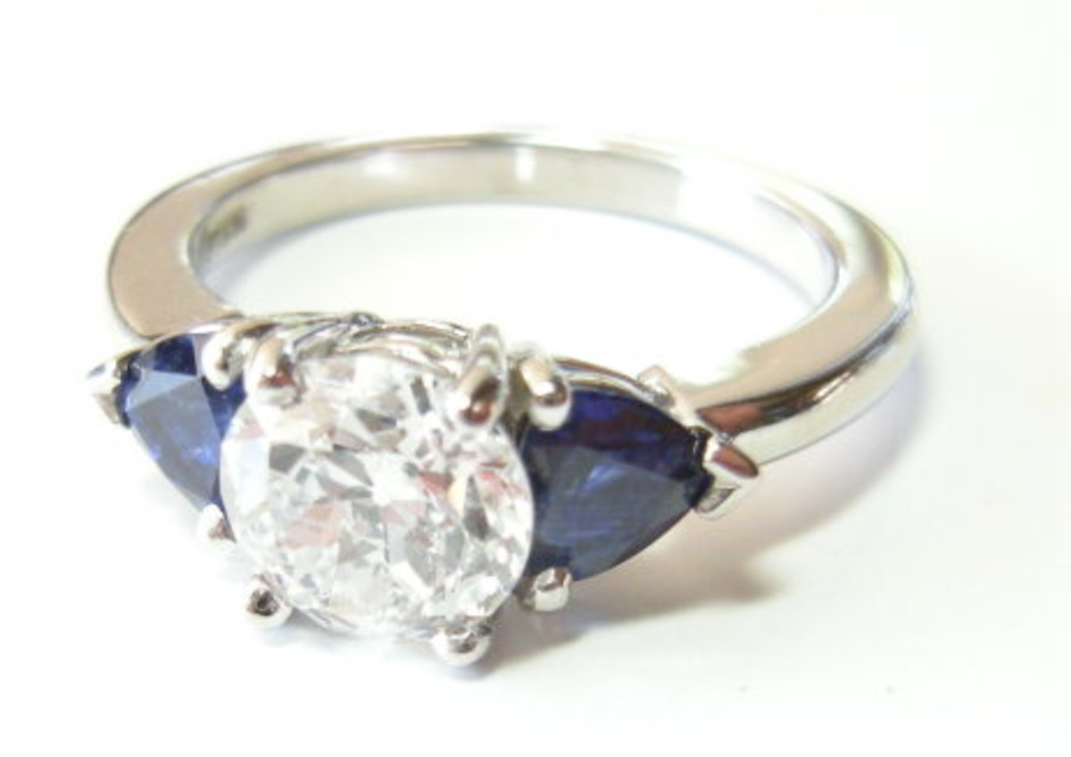 Can you guess whether this classic ring is platinum or white gold?