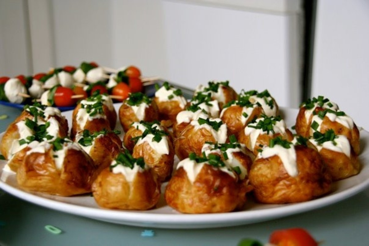 Mini jacket potatoes with sour cream and chives