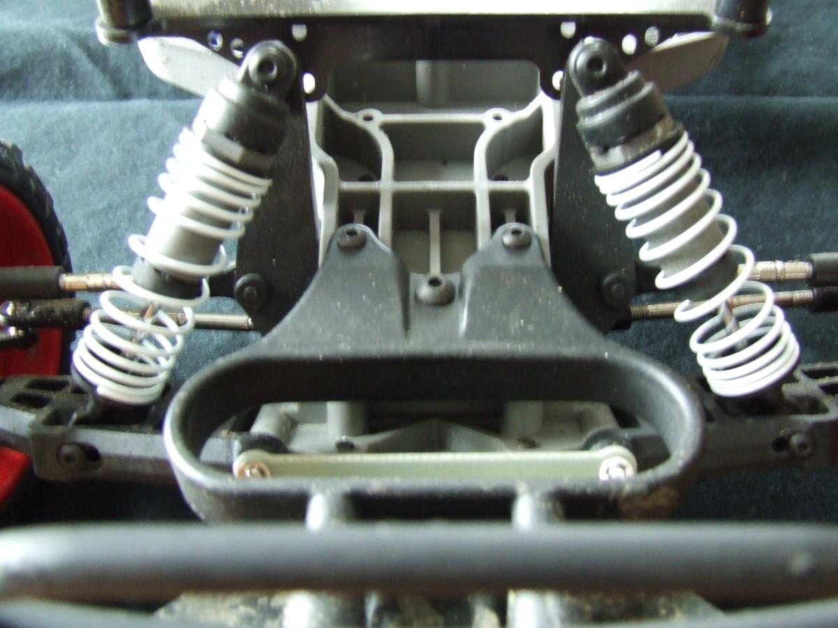 Adjustable front struts