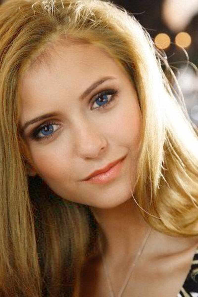 Blonde Nina Dobrev??