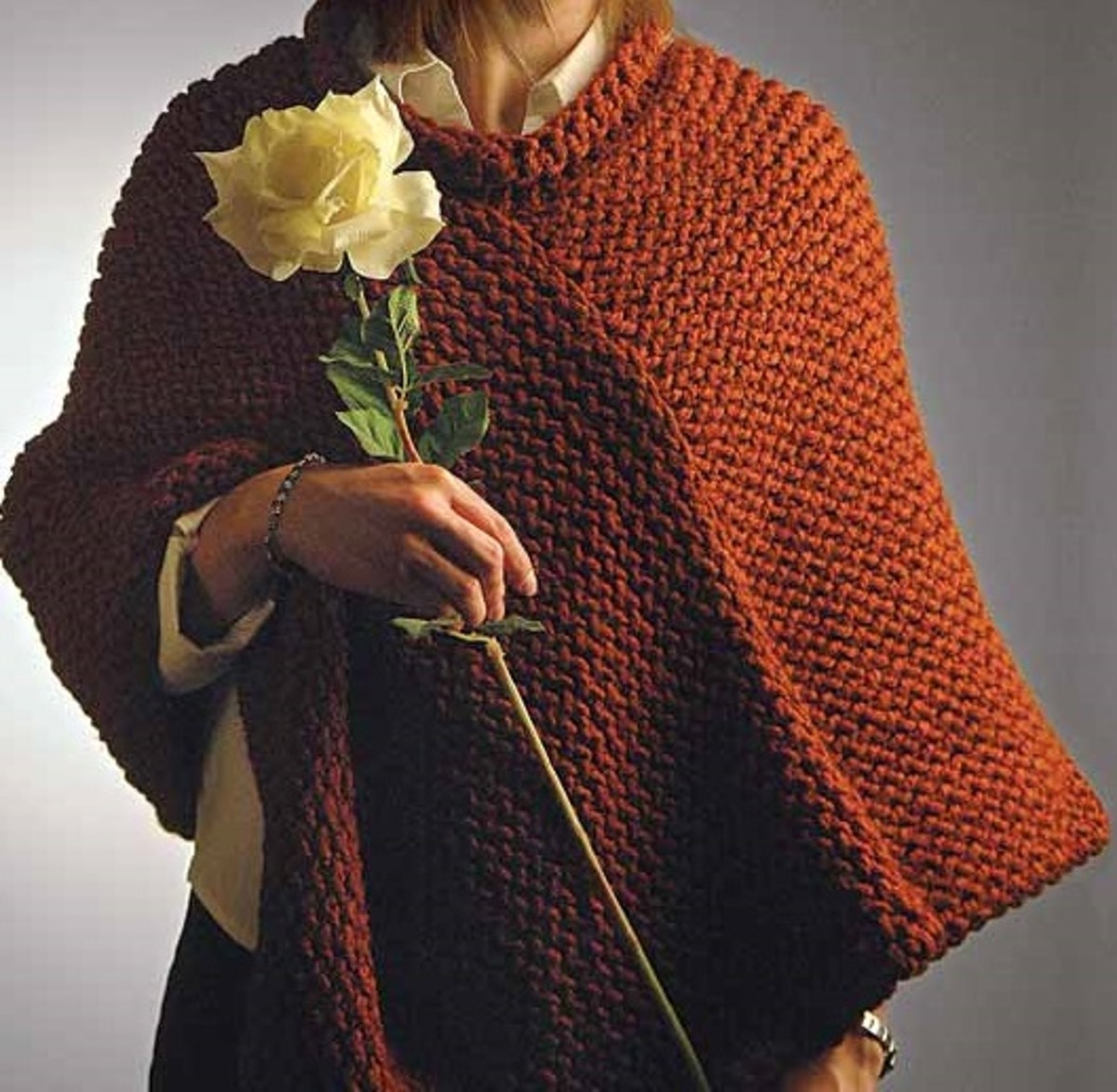Knifty Knitter Collar Poncho for the Yellow Round Loom