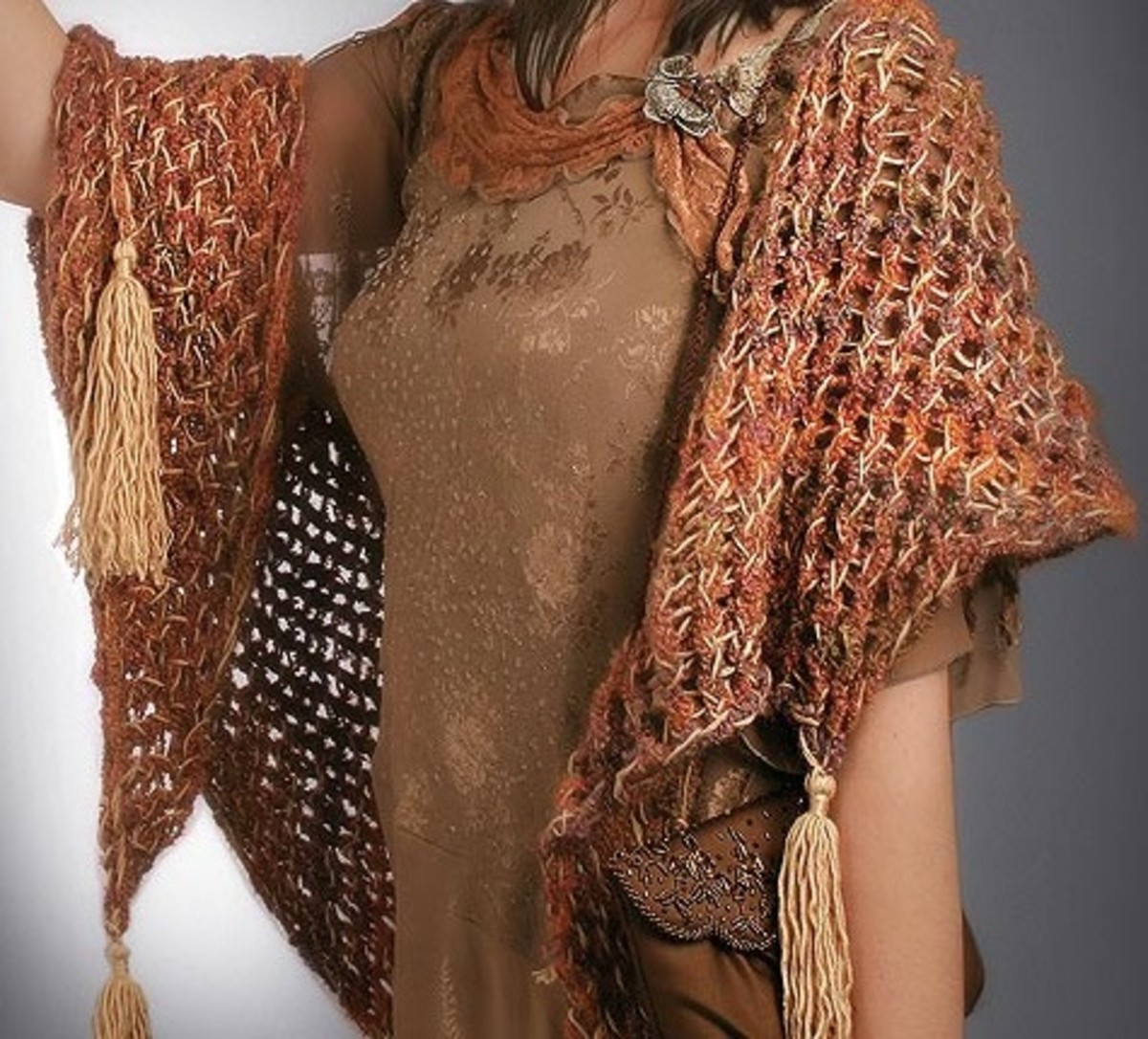Knifty Knitter Patter for Shawl with Tassels for the Yellow, Round Loom