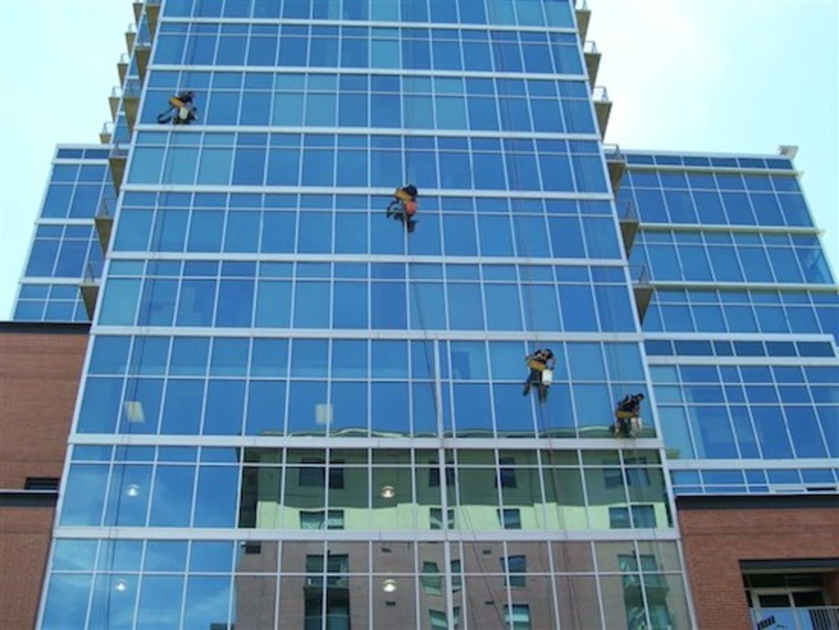 Learn How To Rappell And Clean Windows Off Ropes: Scared?