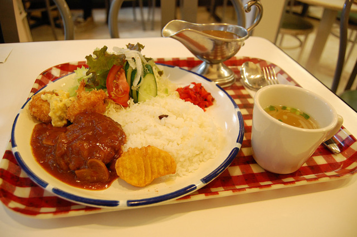 Two Popular Japanese dishes : Curry and Hayashi rice