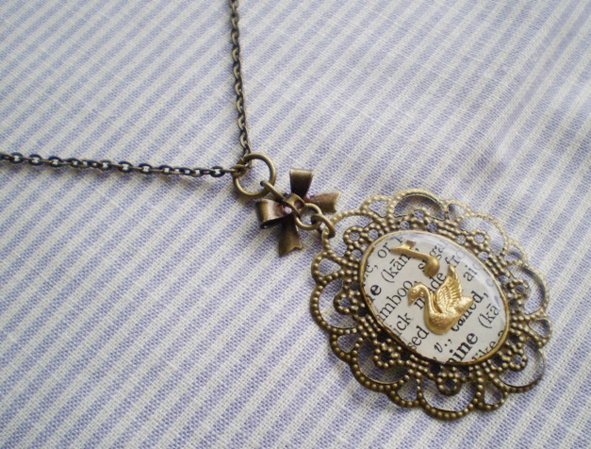 Vintage inspired necklace with a gold key