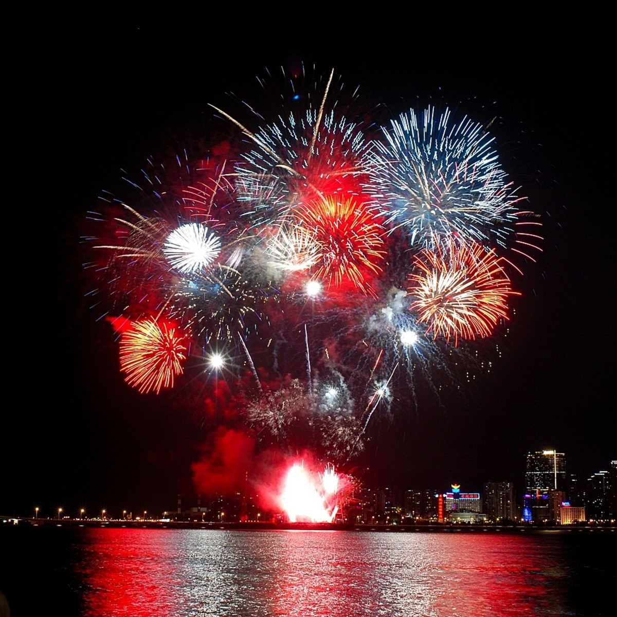 Fireworks that are typically seen during Philippine New Year celebrations