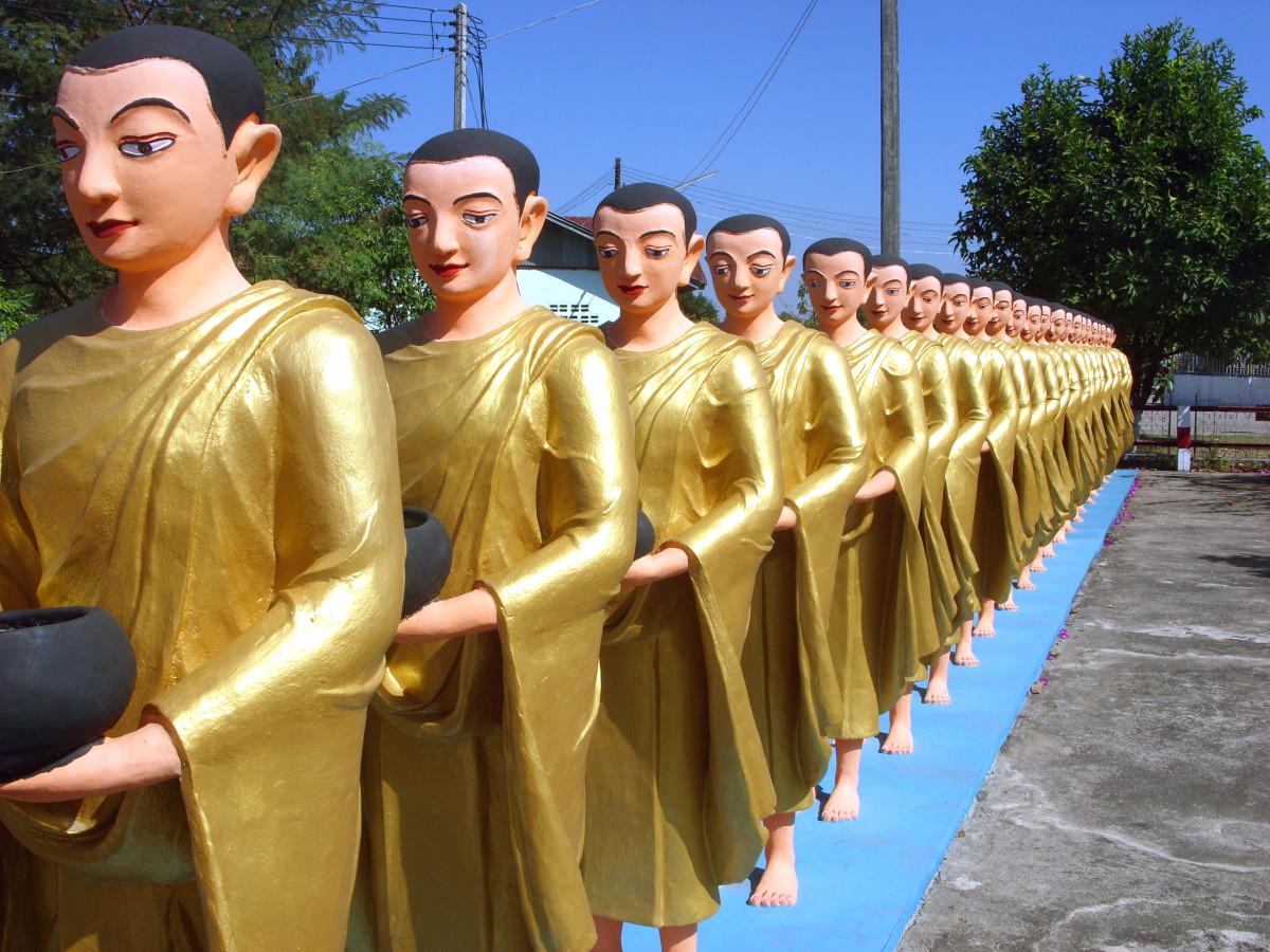 Buddhist monk statues, Shwe Dagon Pagoda, Tachileik, Myanmar