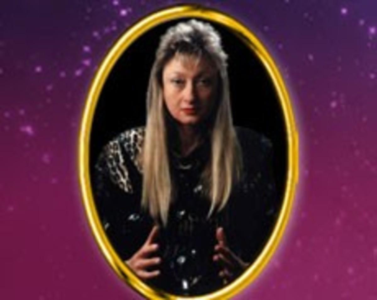 Horoscope Review: Clairvoyant Astrologer Sara Freder
