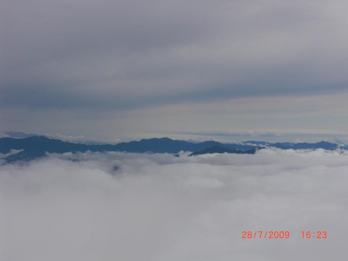 To be in the clouds at hill station seems to be like a dream. You can use this image only after giving a clickable link to this article from your source.