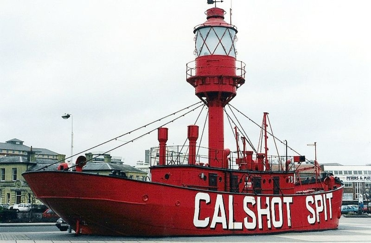 Floating Lighthouses: Lightvessels and Lightships