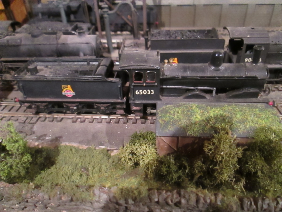 Pre-LNER Wilson Worsdell design Class C (J21)  0-6-0 was designed as a passenger engine, although they were sometimes put on mixed duties. This is 65033 of Darlington (51A) (Nu-Cast Kit)